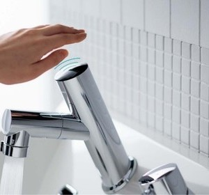 毎日使う場所を素敵に!Panasonicの洗面化粧台編 #3「タッチレス水栓」
