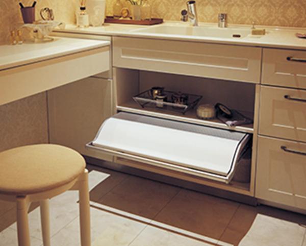 毎日使う場所を素敵に!Panasonicの洗面化粧台編 #10「フットケア専用台」